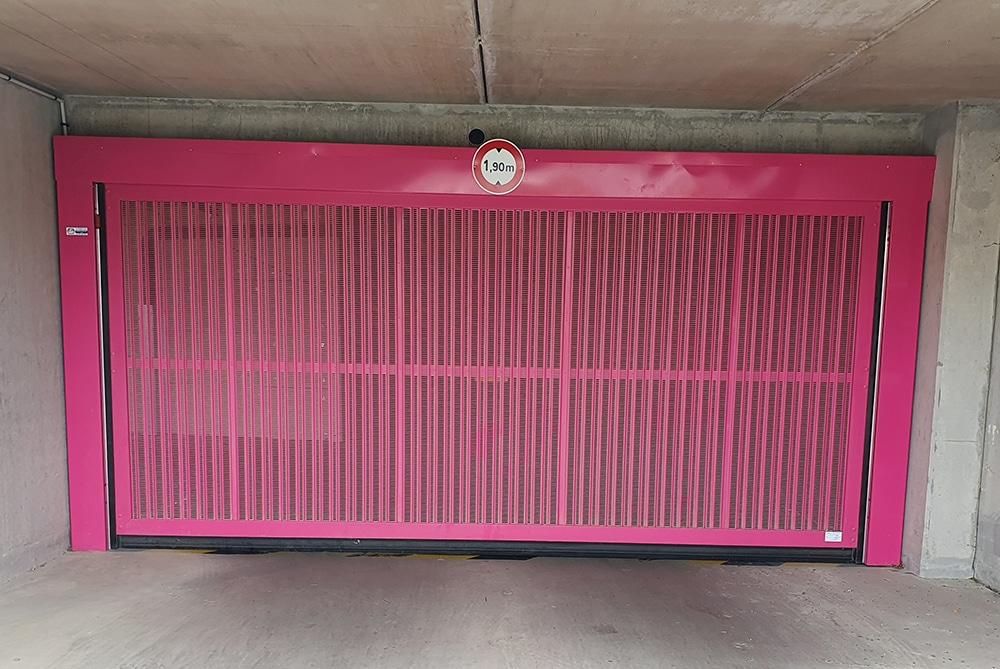 Porte basculante automatique rose Rennes